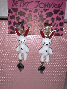 Betsey Johnson Pink White Bunny Rabbit Alice WL Earrings Crystals Gift Box