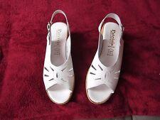 Belles chaussures Patrizia,pointure 39,neuves