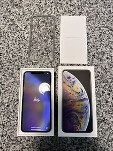 iPhone XS Max Silver 64GB (A1921) - UNLOCKED + More