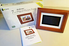 GiiNii Artforme 7-inch Digital Picture Frame With Real Wood GN-705W 1000 Pics