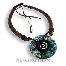 Edle Halskette aus Holz mit Perlmutt Anhänger im Maori Muschel Design N183