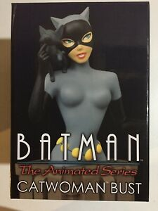 Catwoman Bust~ Batman The Animated Series~#1517/3000~Diamond Select~ Small Chip