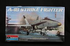 YE030 MONOGRAM 1/48 maquette avion 5807 A-18 Strike Fighter A18
