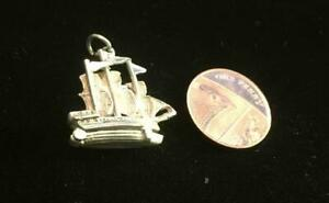 Solid Silver Vintage Charm :  Rare GALEON SHIP , OPENING  (ref21)
