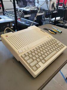 Apple IIc Vintage Computer