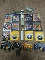 Nintendo Wii Console 4 gamecube controllers 12 games Resident evil 2 3 Smash bro