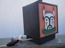 Lampe métal faïence décor masque aztèque canard vers 1950