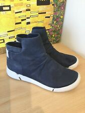 Clarks Navy Blue Nubuck Leather Ankle Boots. Size 4D. Exc Condition