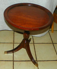 Mahogany 3 Leg Lamp Table / Plant Stand by Thomasville  (RP-T590)