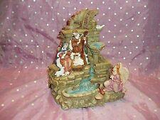 """""""The San Francisco Music Box Company Nativity Water Fountain / 8 X~Mas Medley"""""""