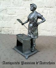 B20140661 - Boulanger de 32 cm en étain d'Art 92 % pur