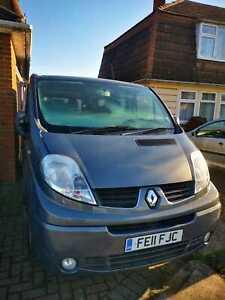 2011 Renault Trafic dci 115 9 seater minibus van