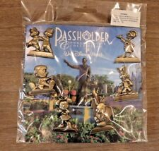 Disney Pin WDW - 2016 Passholder Commemorative - Gold Statues Set  Booster Pack