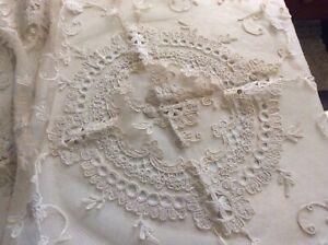 Vintage Net Lace Centerpiece Table Topper Off-white Square Floral