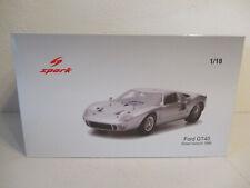 ( GOR U ) 1:18 Spark 1966 Ford GT40 Street Version Silver  NEU OVP