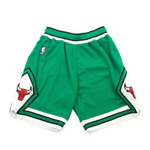 MITCHELL & NESS AUTHENTIC CHICAGO BULLS SHORTS GREEN AND WHITE 2008-09 SZ L