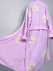 Canyon Group Falling Daisies Robe Medium M Chenille Terry Cloth Floral Pink
