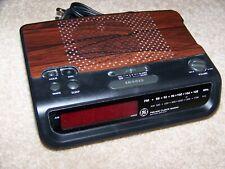 GE General Electric 7-4613B AM/FM Digital Alarm Clock Radio Woodgrain Tested