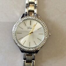 Women's Two-Tone Geneva Dress Watch Easy Read Analog Dial Modern Designer Style