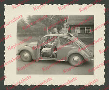 Foto Auto VW Käfer Brezelkäfer Mutter Kinder Chiemsee Hirschauer Bucht Grabenstä