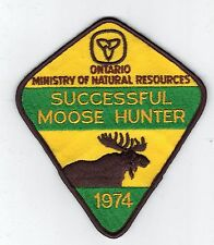 1974 ONTARIO MNR MOOSE HUNTER PATCH-MICHIGAN DNR DEER-BEAR-CREST-BADGE-ELK-FISH