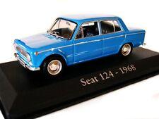 1/43 - IXO - EN BOITE VITRINE - SEAT (FIAT) 124 BERLINE BLEUE 1968