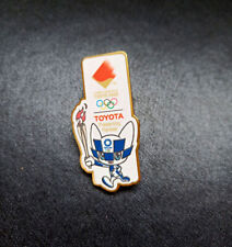 Tokyo 2020 olympic pin Tourch relay Toyota