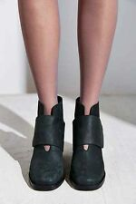 Shelly's London Front Strap Boot Size 8.5 MSRP: $130
