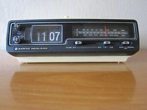 VINTAGE SANYO DIGITAL CLOCK RM5320 RADIO REVEIL FLIP FLAP A LAMELLES
