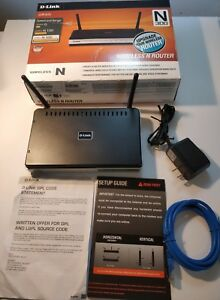 D-Link DIR-615 Wireless N300 Router 4 ports  complete (please see pictures)