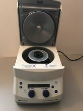 Eppendorf 5424 Centrifuge Microcentrifuge with Rotor And Lid