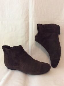 Clarks Dark Brown Ankle Suede Boots Size 5.5