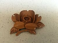ANTIQUE HAND CARVED BOXWOOD PERSIMON JAPANESE BROOCH  SIGNED