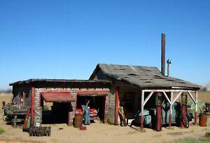 HO Custom Built Weathered Detailed Gas Station Garage Building Scratch Diorama