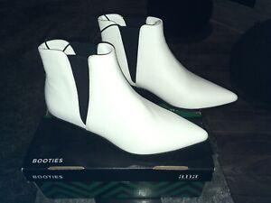 New Women's a.n.a Garwin Block Heel Elastic Booties White Memory Foam Size 10