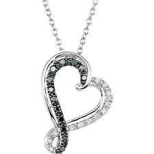 blanco y Negro Corazón de diamante 45.7cm Collar Plata de ley 925 (1/5 CT. TW