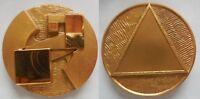 medaglia scultura i 3 soli di Giò Pomodoro
