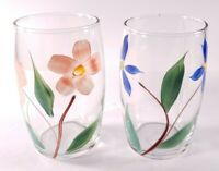 Set Of 2 Vintage Clear Glass 12 Oz. Tumblers w/ Blue & Pink Hand-painted Flowers