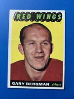 Gary Bergman 1965-66 Topps Vintage Hockey Card #107 Detroit Red Wings