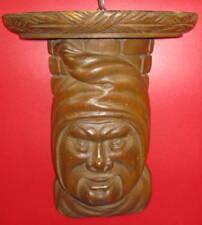 étagère art populaire, (cul de lampe) bois sculpté, tête de grotesque