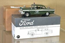 First Gear 18-2806 1956 FORD Tudor berline chefs de la police militaire voiture