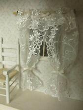 Altweiße Miniatur-Spitzen GARDINE,1:12,1:16,L:14cm,Puppenstube,alle Zimmer
