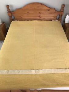 Vintage Woollen Cellular Blanket