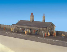 Ratio 204 Station Building Plastic Kit N Gauge