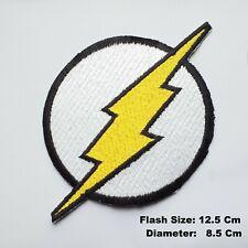 Flash Logo Blitz Schwarz Schrauben Thunder Comic Eisen / Aufnähen Aufnäher Jacke