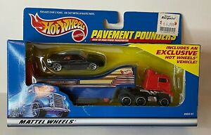 Hot Wheels Ferrari 348 Black Exclusive Pavement Pounders Truckin Transporter Set
