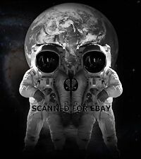 Digital Art picture photo print Astronaut Optical Illusion space metamorphic