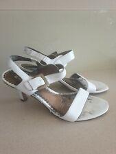 Naturalizer Women's White Sandal Open Toe Leather Shoe, Size