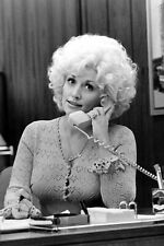 Dolly Parton Unsigned 8x10 Photo (B)