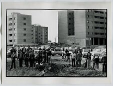Photo Hervé Gloaguen - Banlieue ouvrière de Madrid 1977 -